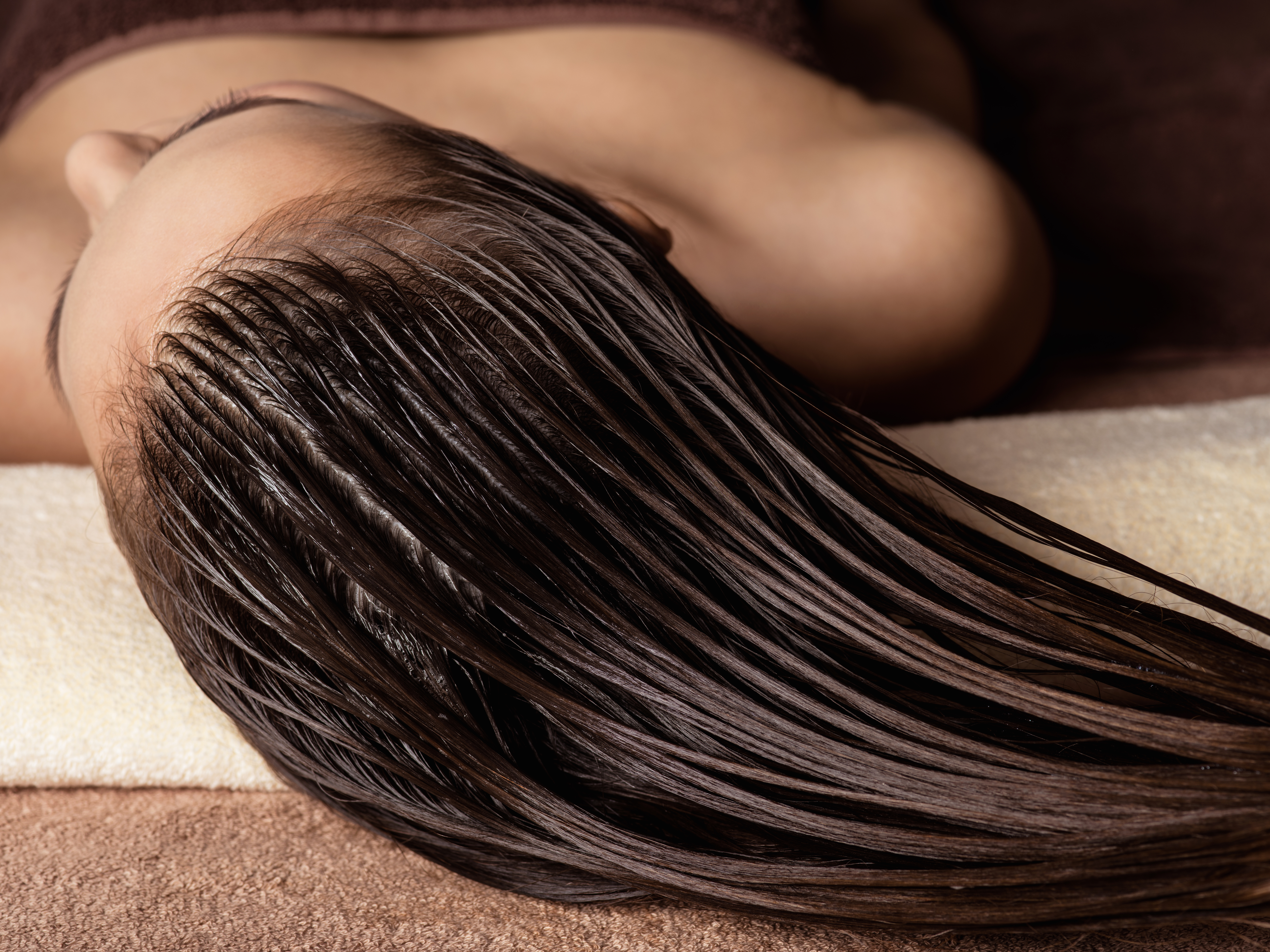 How to Keep Your Hair Healthy At Home
